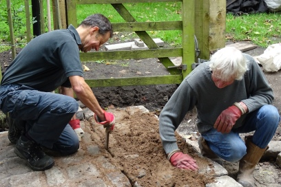 Andrew and Nick laying setts