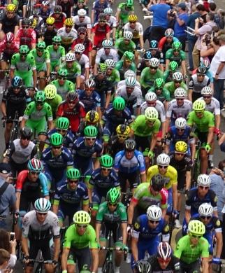 Cyclists galore!